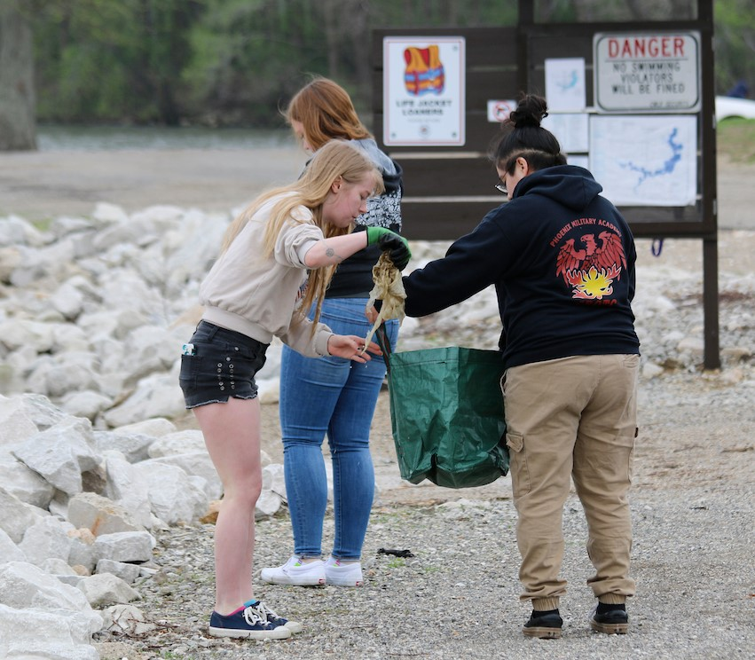 Environmental Studies students collection trash from Lake Springfield.